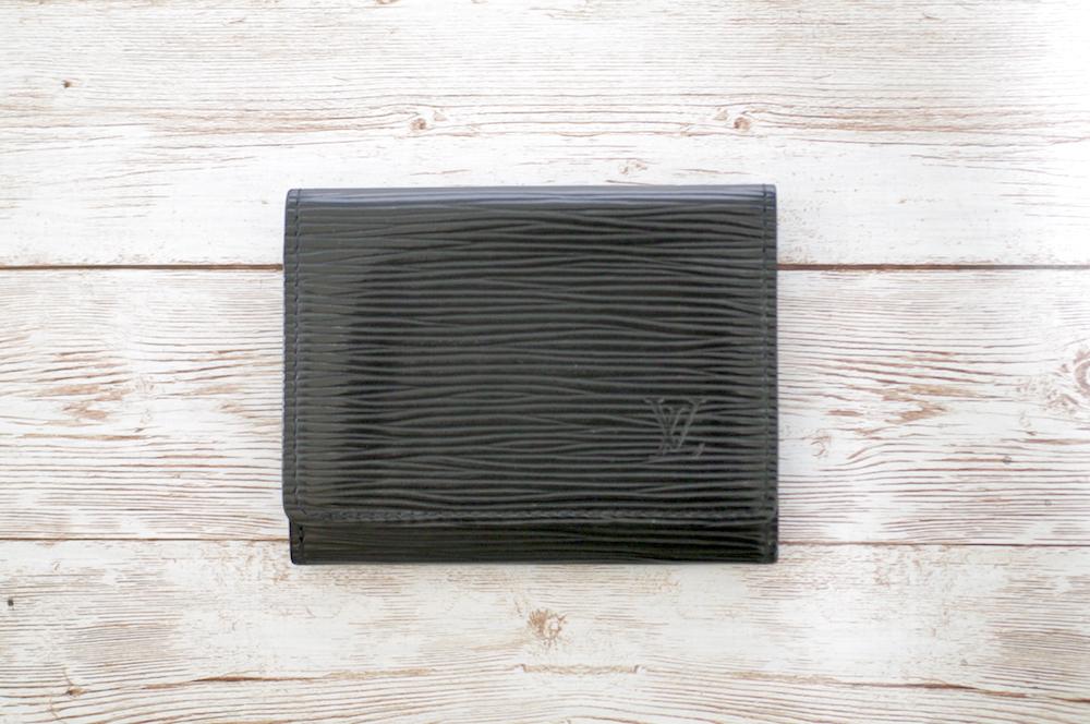ルイヴィトン(Louis vuitton) エピの黒いカード入れのマチ補修をご紹介